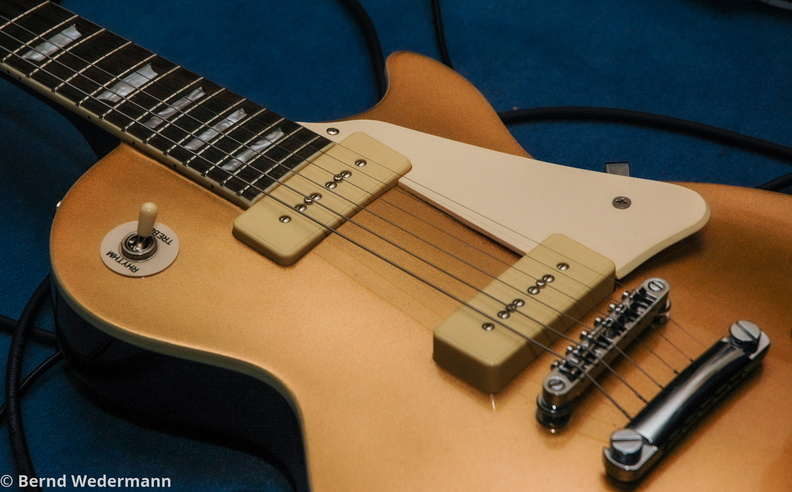 Guitar_DSC_5233_Goldtop.jpg